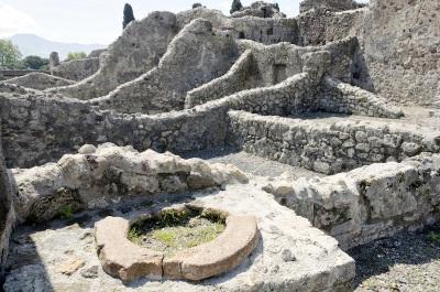 pompeii-ruins-120110